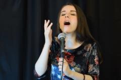 #Diana Petcu as a passionate singer 😚